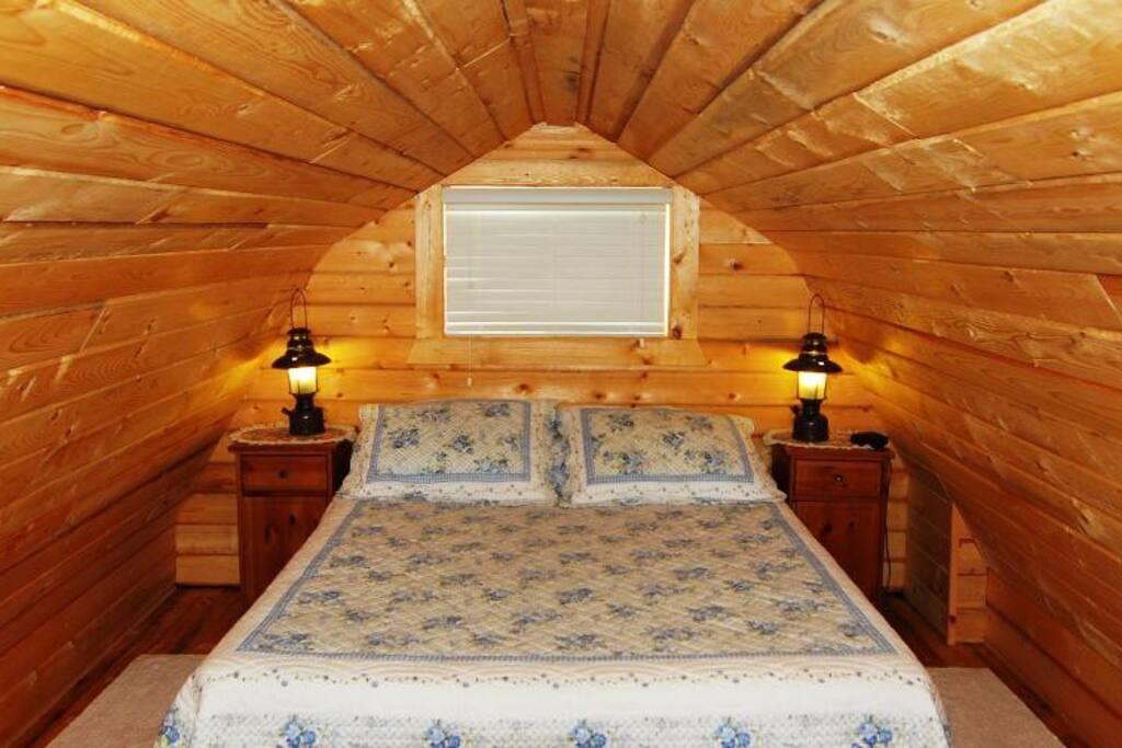 Loft Pine Lodge
