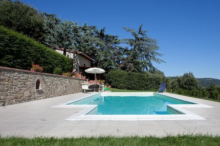 Casa Cristina in beautiful location with pool - Camucia - Hytte (i sveitsisk stil)