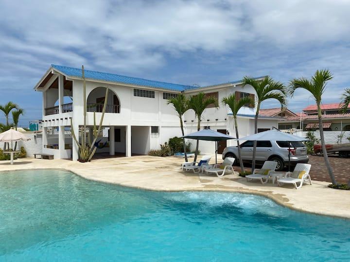 Family house in Salinas Ecuador, incl. pool