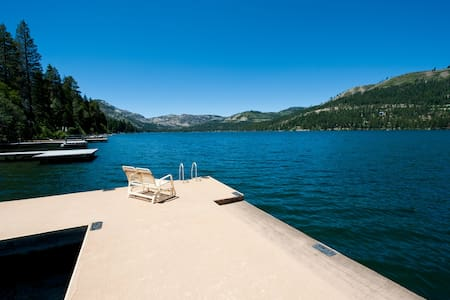 Private Dock! Lakefront Cabin!  Donner Lake - Truckee - Cabanya