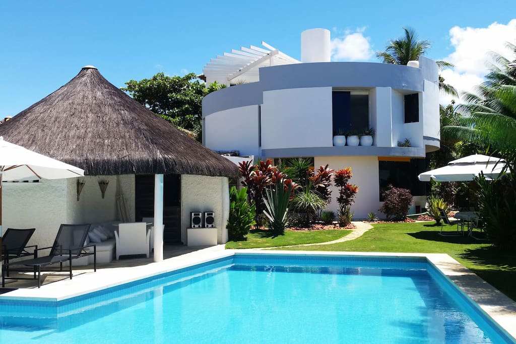 the Casa Redonda as seen from the pool