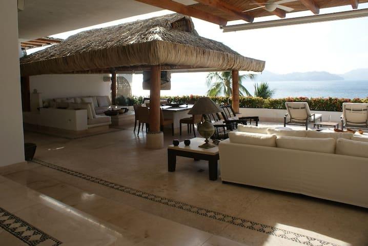 Departamento de lujo completo con playa y muelle