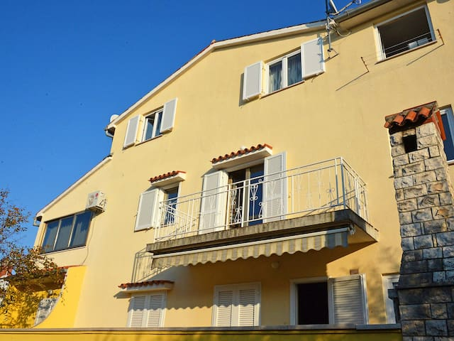 2-room apartment 32 m² Ferienwohnung for 4 persons in Poreč