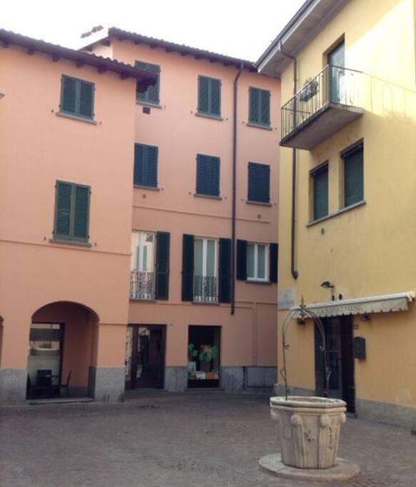 Elegante appartamento appartamenti in affitto a lecco for Case affitto lecco arredate