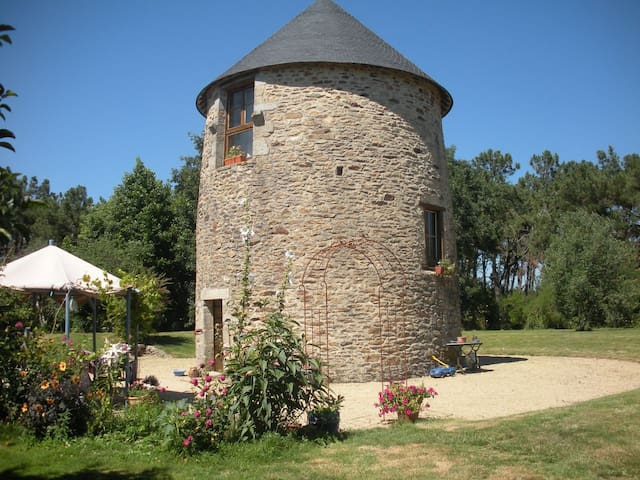 Atypique moulin à vent mer/campagne