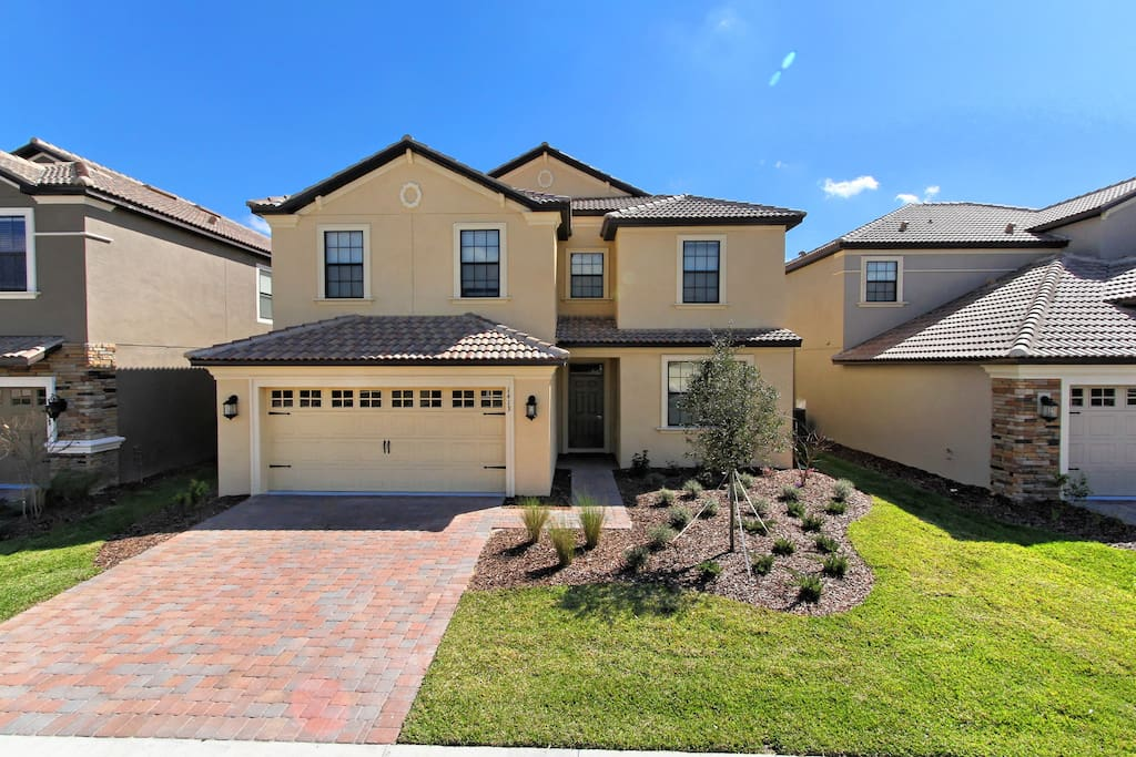 This sensational resort home has everything that you and your family could possibly want for the most magical vacation to the parks and attractions including Walt Disney World® Resort.