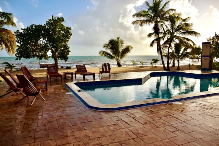 Windsong Belize - New Beachfront Villa with Pool