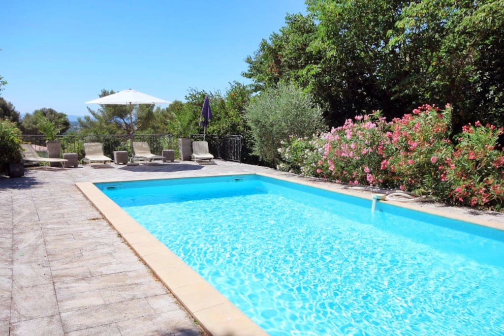 Villa 10 min avignon 4 chambres piscine clim h user for Piscine les angles