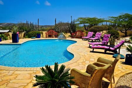 "paradise villa""s and apartment - ออแรนเจสตัด"