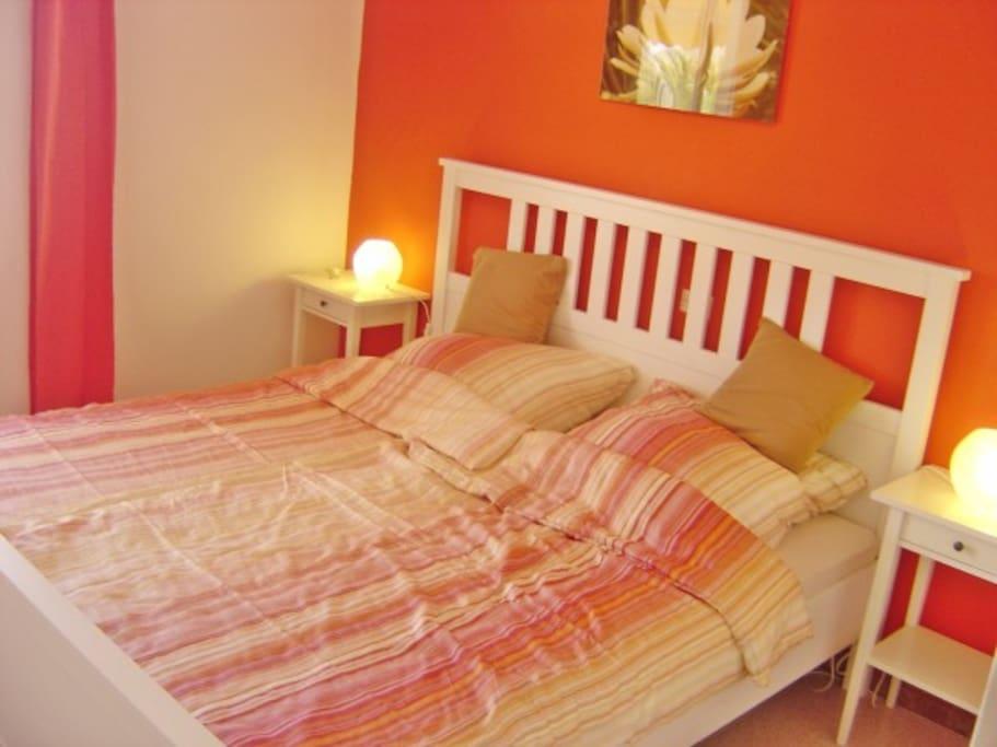 Farbenfrohes Schlafzimmer