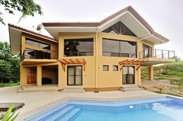 Casa vistas home apt at conchal case in affitto a for Case affitto costa rica