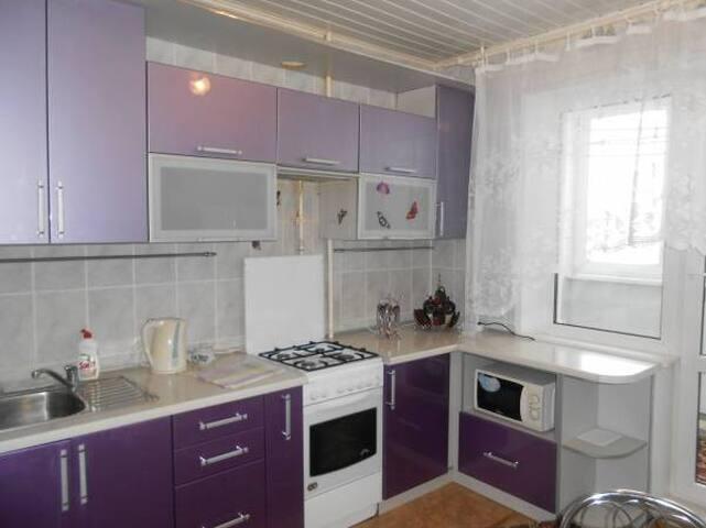 Светлая и уютная квартира. Лида - Lida - Apartamento