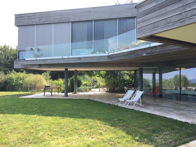 Zimmer mit Ausblick und Garten