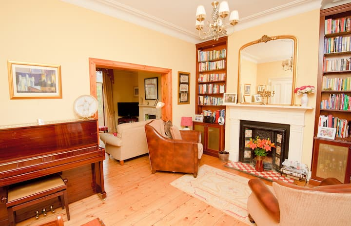 sunny double room in victorian home