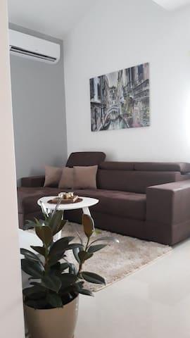 Apartmani Stijepovic ( Aerodrum Pg )