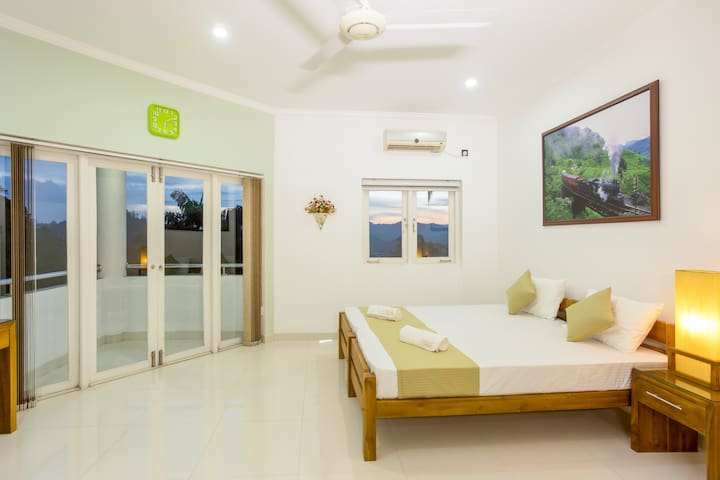 Shalom Residence Kandy (Room Theresa)