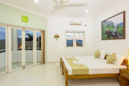 Shalom Residence Kandy (Room Theresa)