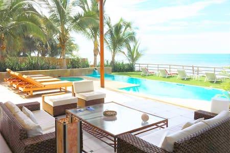 2 Story Queen Luxury Villa - 3 - Villa
