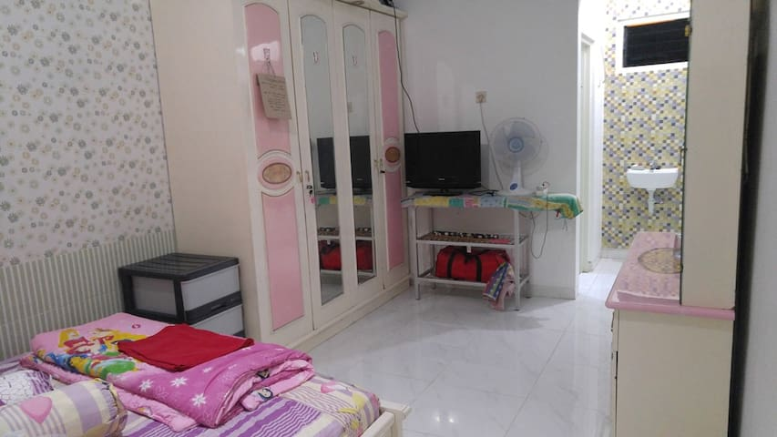 Private Room in Nginden Jaya (Full AC+Bathroom)