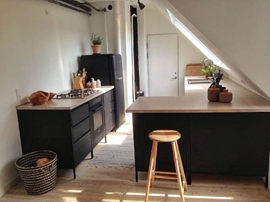 The kitchen is new and handmade by a Copenhagen carpenter.