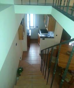 Casa elegante in montagna - Roccacinquemiglia - Apartamento
