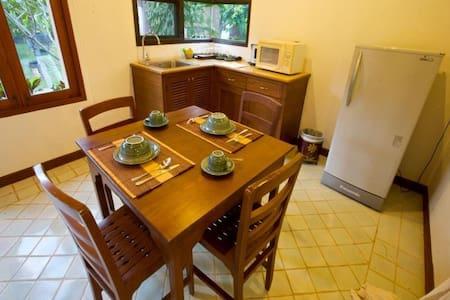 清迈二居室独立一层别墅,独立的楼台阁楼,泰北风光尽收眼底 - Tambon Rim Tai - Villa
