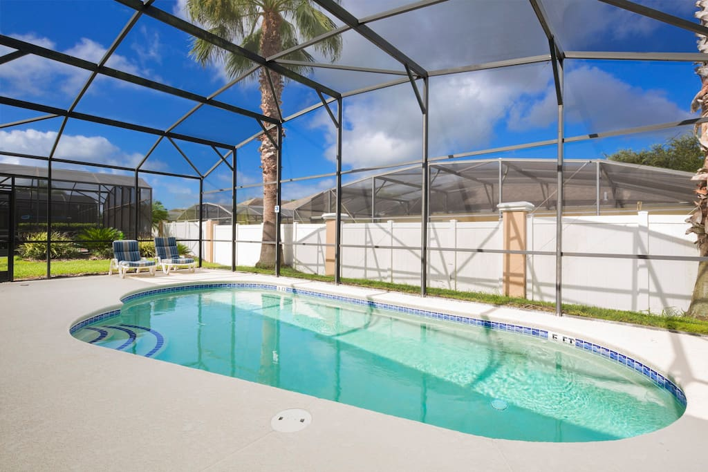 Relax, lay back and soak in the Florida sunshine when you're on vacation. Take at least a day away from the theme parks to enjoy your private pool and sun-drenched deck.