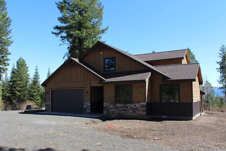 New Cabin in Woods With Great Views - McCall