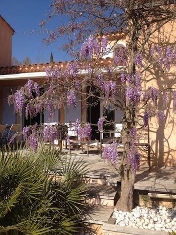 Maison entre Aix et Ste Victoire - Saint-Marc-Jaumegarde - Villa