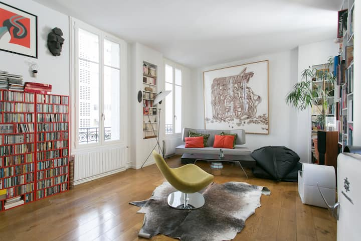 861 sq ft Apartment Close to the Eiffel Tower