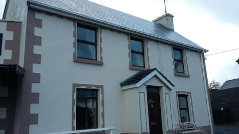 Cambells Cottage in Cloghan village