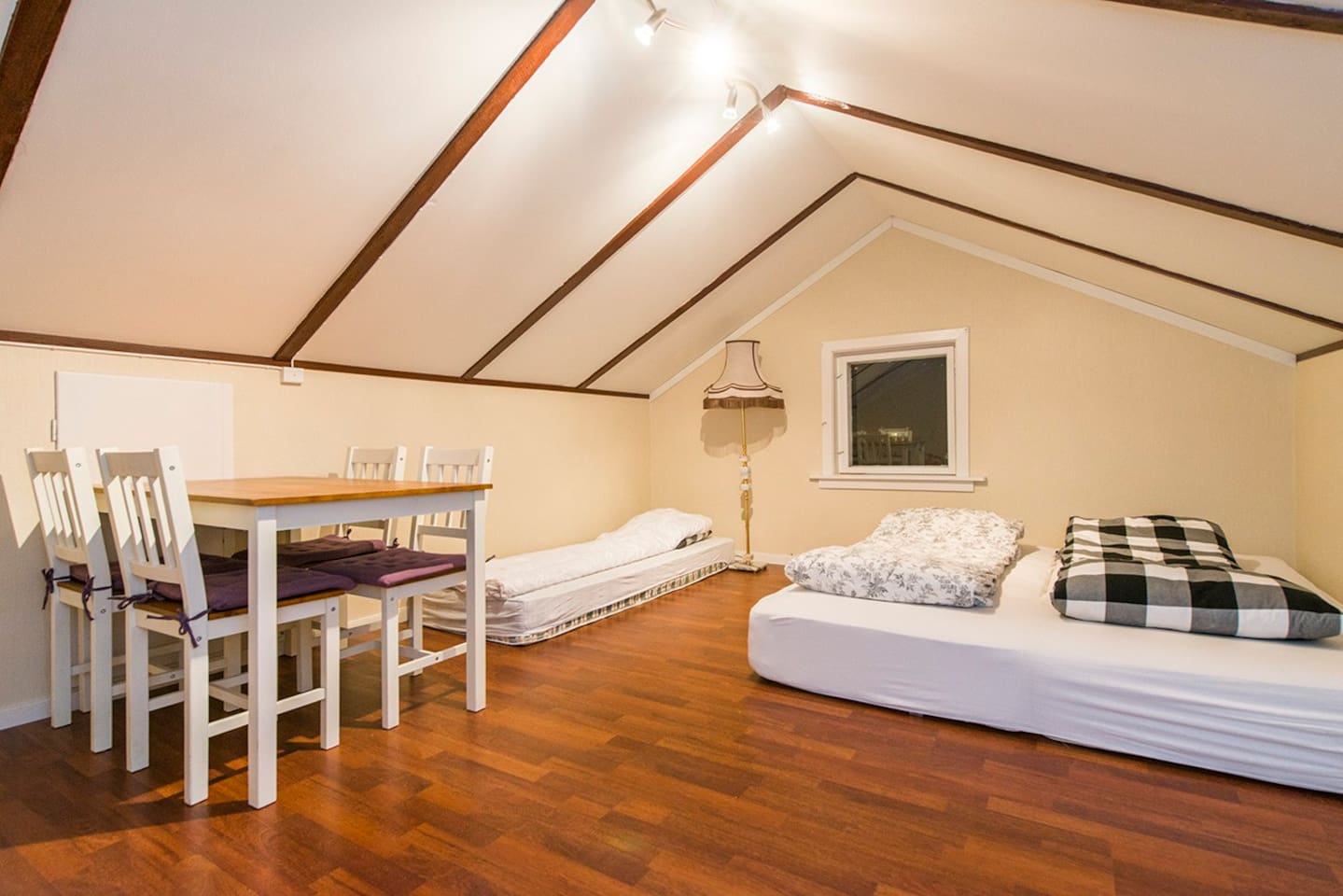 Main private room.