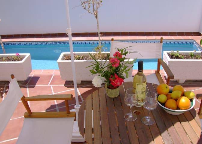 Vakantiewoning met zwembad - Albuñuelas - Hus