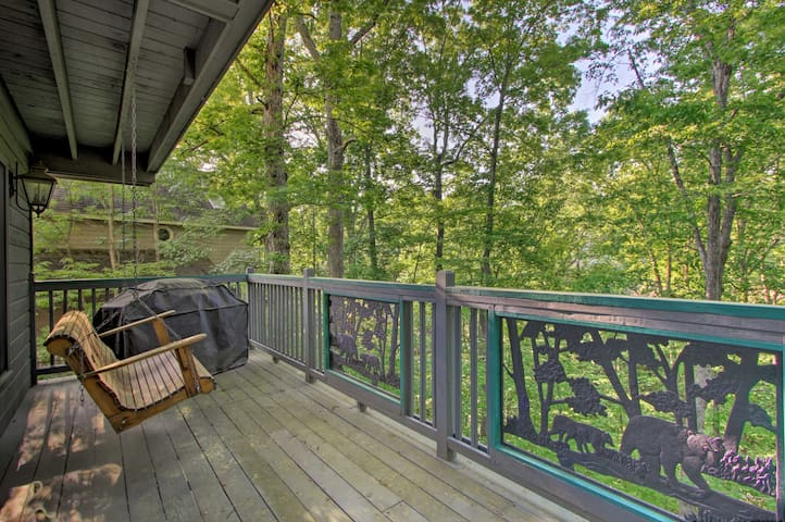 Experience the best of Pigeon Forge from this vacation rental cabin!