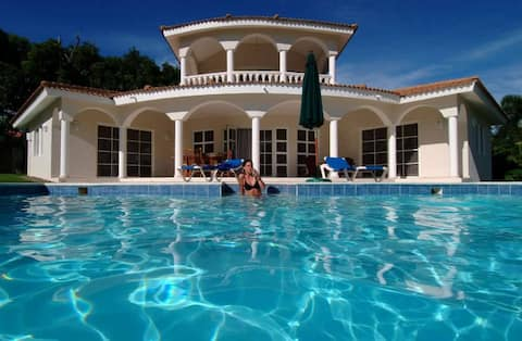Luxus-Villen mit 3 Schlafzimmern im 5* All-Incl VIP Resort.