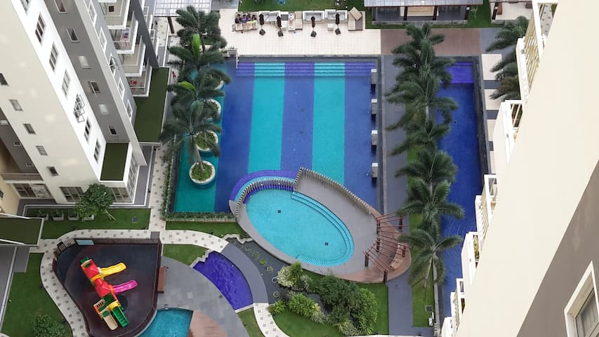 2-Bed Bella Vista Apartments in a Resort - Colombo