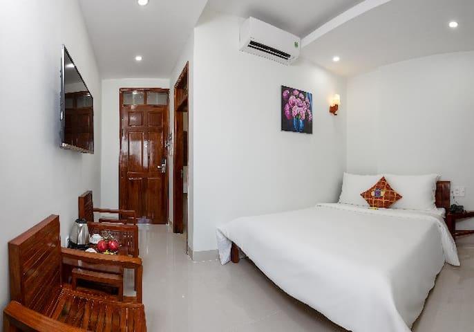 Pham Gia Hotel Danang - Standard Room, city view