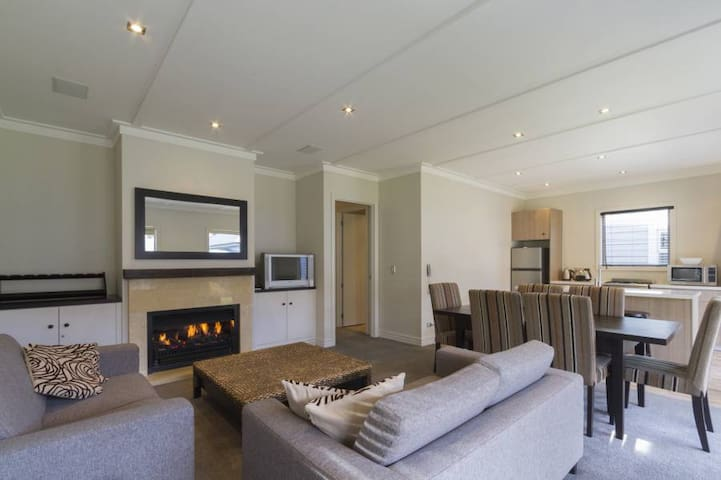 Villa 43, luxurious Cardrona Stay - Cardrona