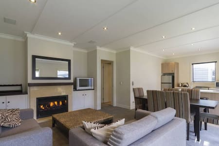 Villa 43, luxurious Cardrona Stay - Cardrona - Casa