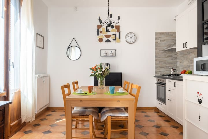 Fancy Apartment for 2 in Bologna
