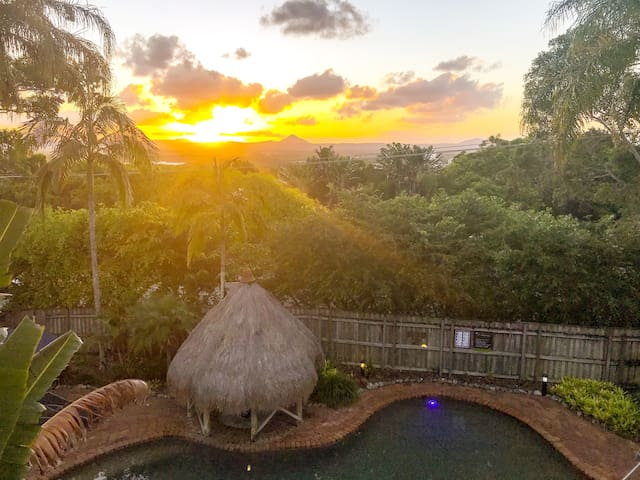 ☀️ Sunshine Nest - Noosa hill, Pool, Spa, wifi