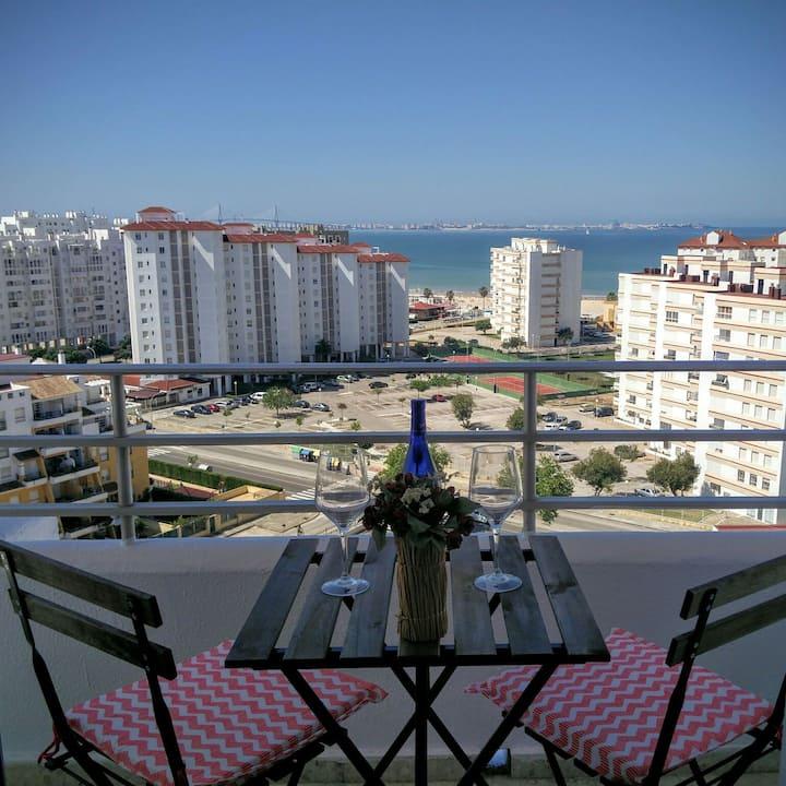 Piso en Valdelagrana con vistas al mar y piscina