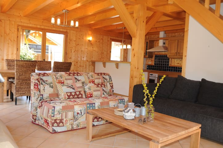 Individual chalet in a quiet area