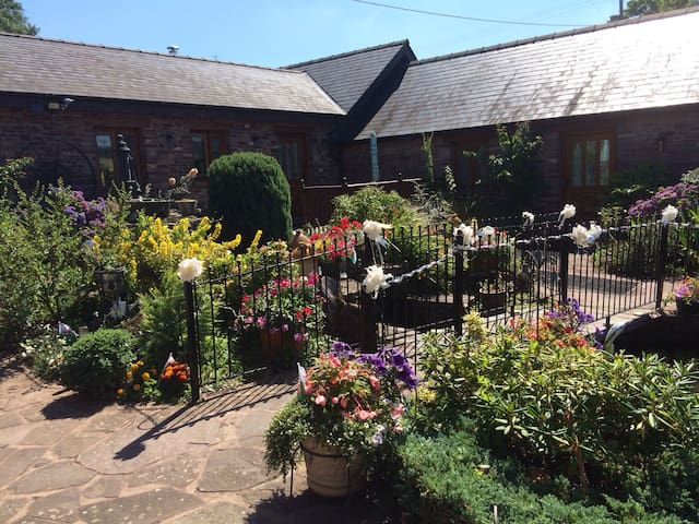 Usk country cottages-birch cottage - Llangwm - บ้าน