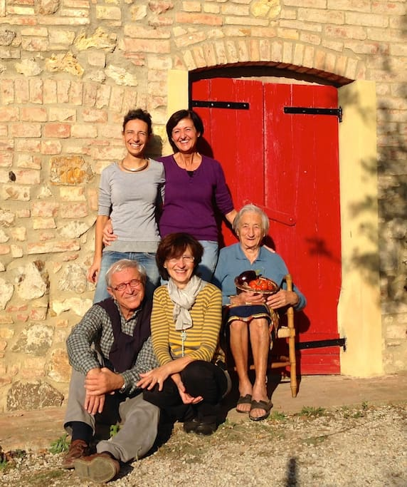Our family: welcome at Agriturismo Le Capanne :)