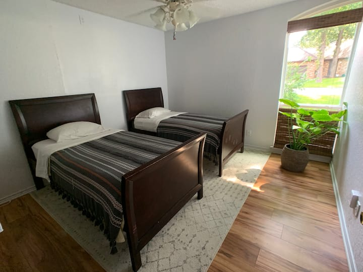 1BR/2Twin Beds - Near Cowboys✮Rangers ✮DFW Airport