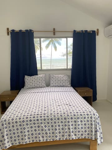 Cozy room facing the sea at Playa Bonita.
