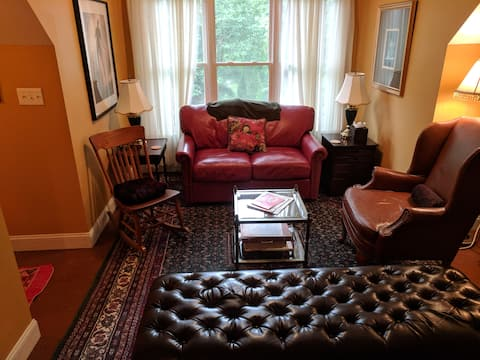 Private 2BR suite in downtown Davidson
