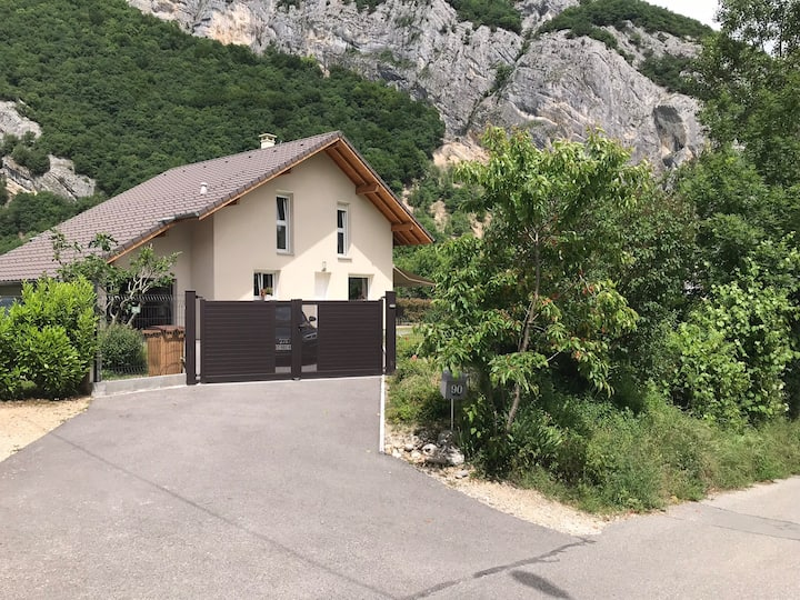 Chambre avec SDB et WC privatifs - portes d'Annecy
