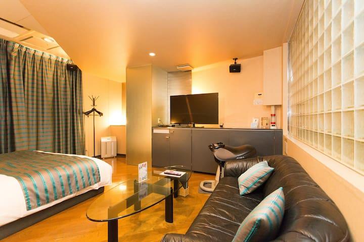 Towers Hotel 202 - Queen Bed w/ WIFI 5 min to sta - Miyakojima Ward, Osaka - Otros